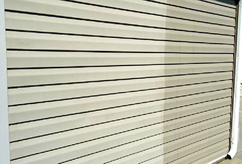 Think Spring: Clean Your Vinyl Siding In The Winter