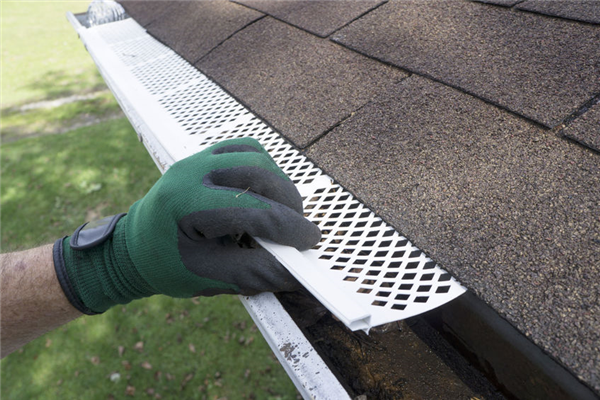 What are the Benefits of Leafproof Gutters?