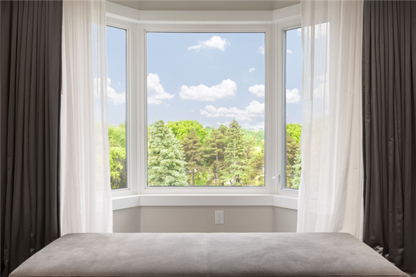 How Bay and Bow Windows Make Your Room Look Brighter and Larger