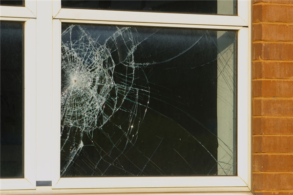 The Benefits of Shatterproof Glass